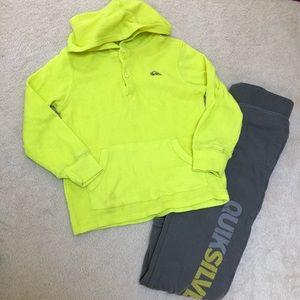 Quiksilver boys shirt and sweatpants set size 4T